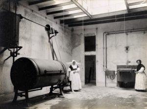 Bugaderia de la Casa de Beneficència de Tarragona a inicis dels anys trenta. Foto Vallve. Centre d'Imatges de Tarragona / L'Arxiu
